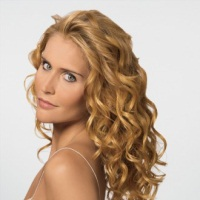 Dressing up your Hair - Hair Dressing - Hair Styling - Different Hair Styles   Tips on - Find Tips